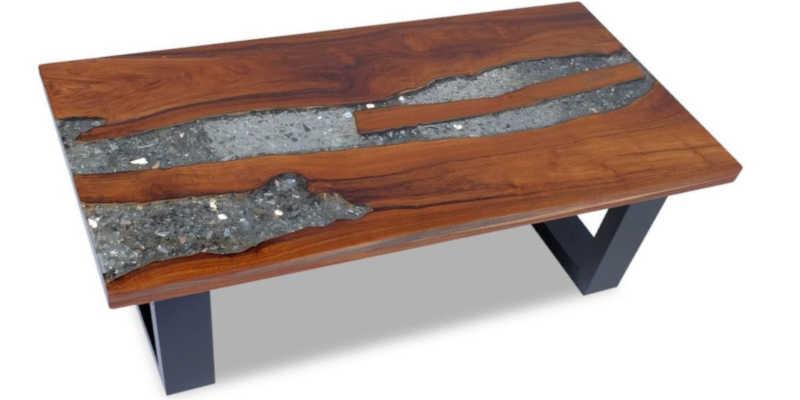 Mesa de madera de teca y resina epoxi